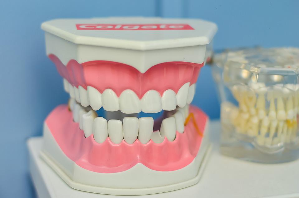 "Play ""dentist"" at home"